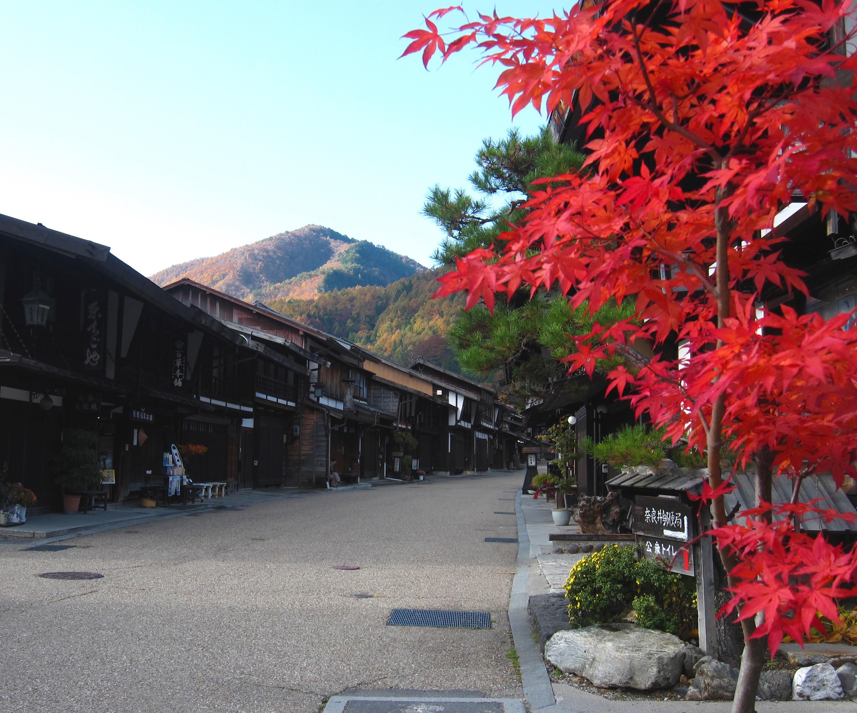 静かな朝の奈良井宿