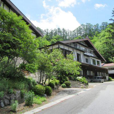 崖の湯温泉観光開発株式会社 (群上閣)