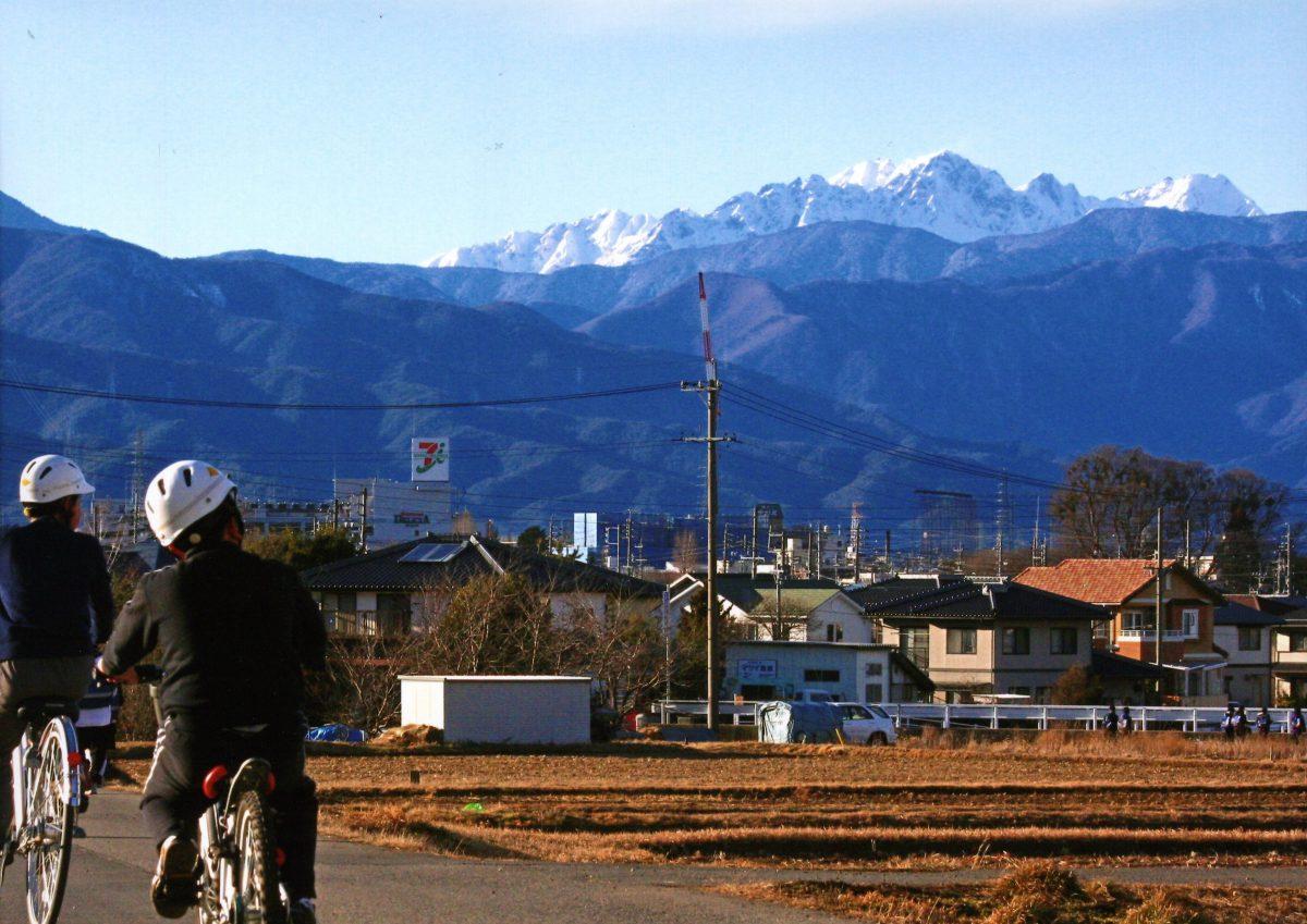 穂高連峰の見える街